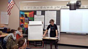 Mini-Lesson: Develop a Paragraph - Supporting Leg Details (Grade 4)